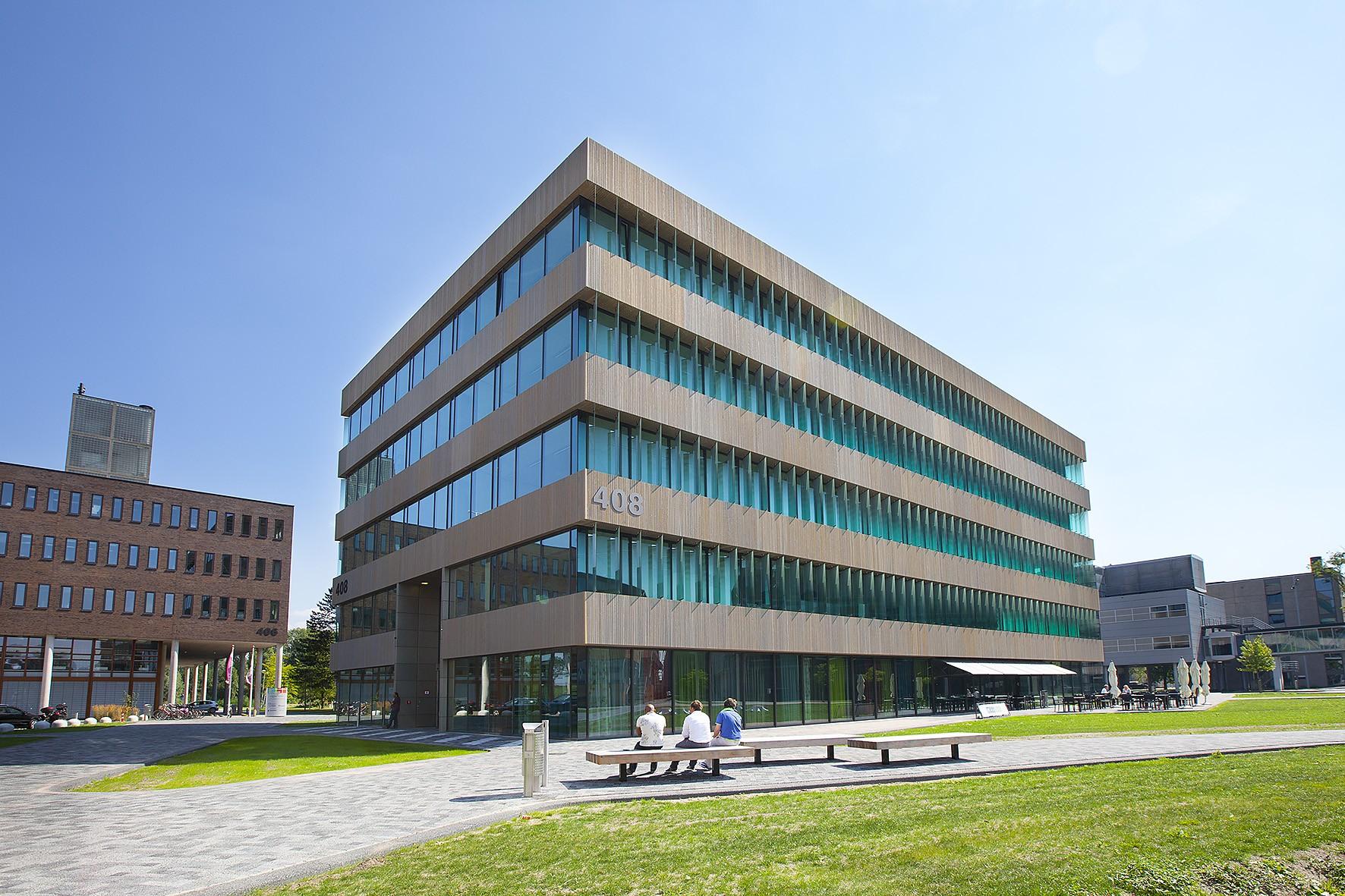 Incubatorgebouw Matrix VI (Incubator Building)